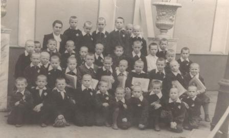 Картинки по запросу Первоклассники, 1948 г.